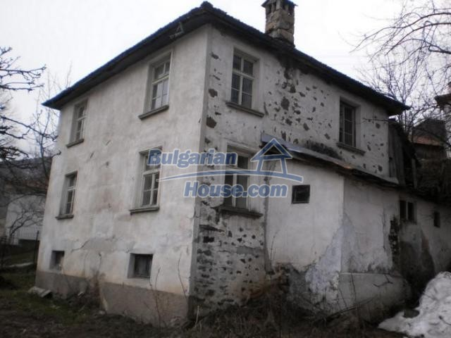 11324:6 - Two-storey house with a large sunny garden in a mountain