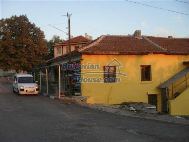 11329:2 - Large house with a nice compact garden near Elhovo