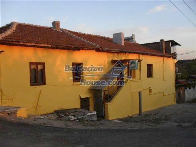 11329:3 - Large house with a nice compact garden near Elhovo