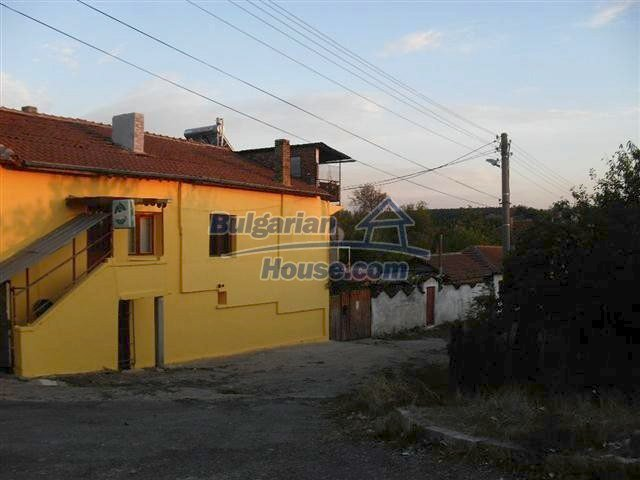 11329:1 - Large house with a nice compact garden near Elhovo