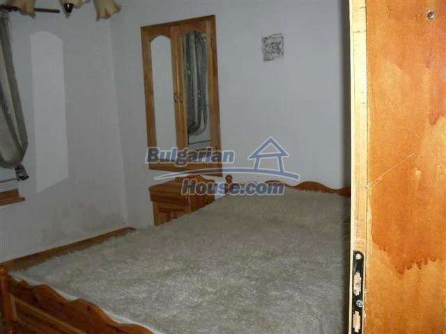 11329:7 - Large house with a nice compact garden near Elhovo