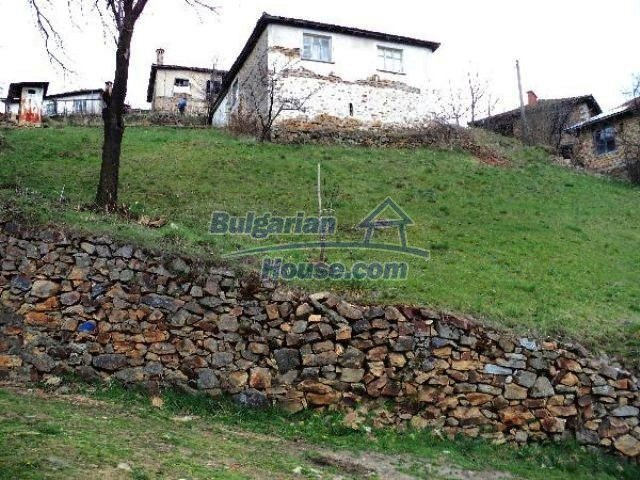 11334:1 - House with a sunny garden in the Rhodope Mountains