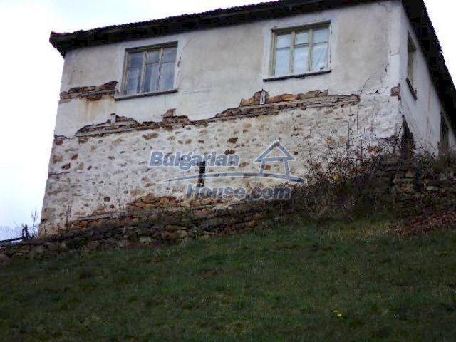 11334:4 - House with a sunny garden in the Rhodope Mountains