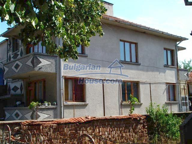 11338:3 - Well presented house with communicative location in Elhovo