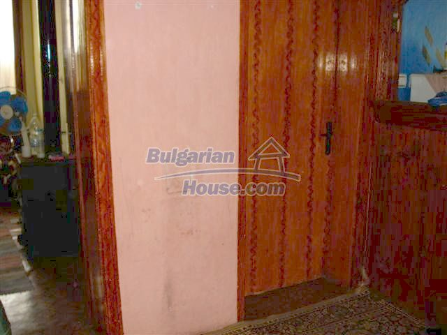 11338:5 - Well presented house with communicative location in Elhovo