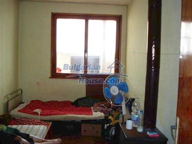 11338:13 - Well presented house with communicative location in Elhovo