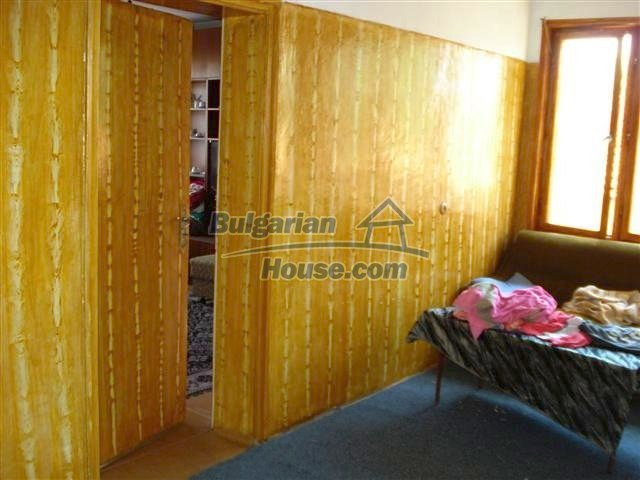 11338:15 - Well presented house with communicative location in Elhovo