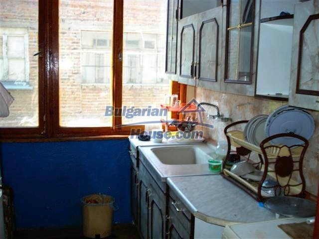 11338:7 - Well presented house with communicative location in Elhovo