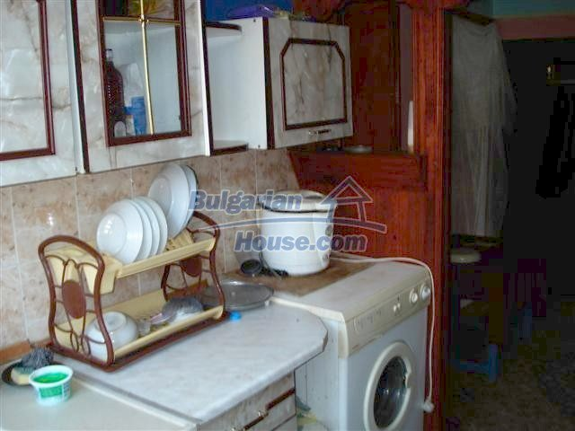 11338:8 - Well presented house with communicative location in Elhovo
