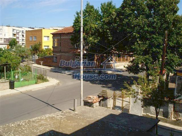 11338:19 - Well presented house with communicative location in Elhovo