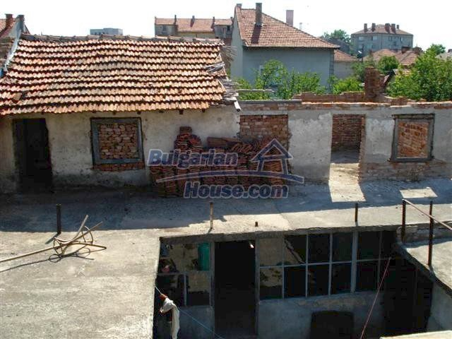 11338:21 - Well presented house with communicative location in Elhovo