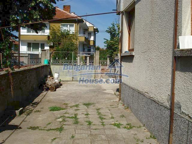 11338:24 - Well presented house with communicative location in Elhovo