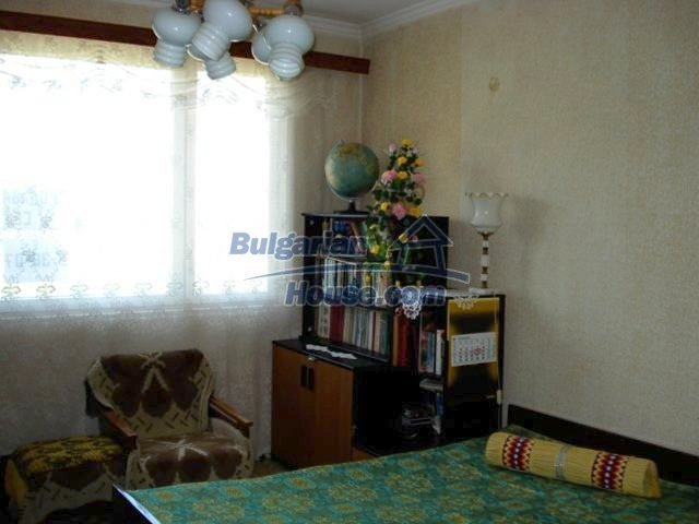 11351:1 - Two-bedroomed apartment in very good condition in Elhovo
