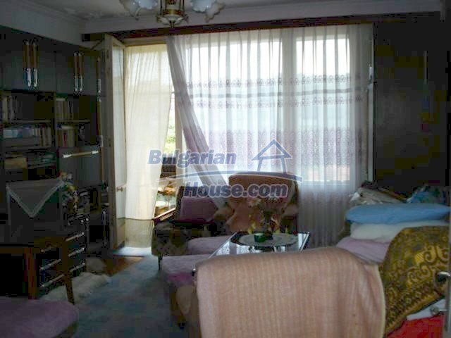 11351:7 - Two-bedroomed apartment in very good condition in Elhovo