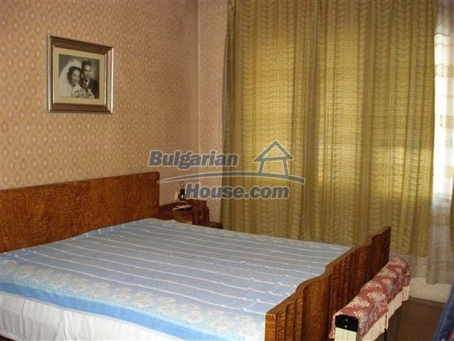 11352:4 - Ground floor of a house in the charming town of Elhovo