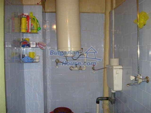 11352:11 - Ground floor of a house in the charming town of Elhovo