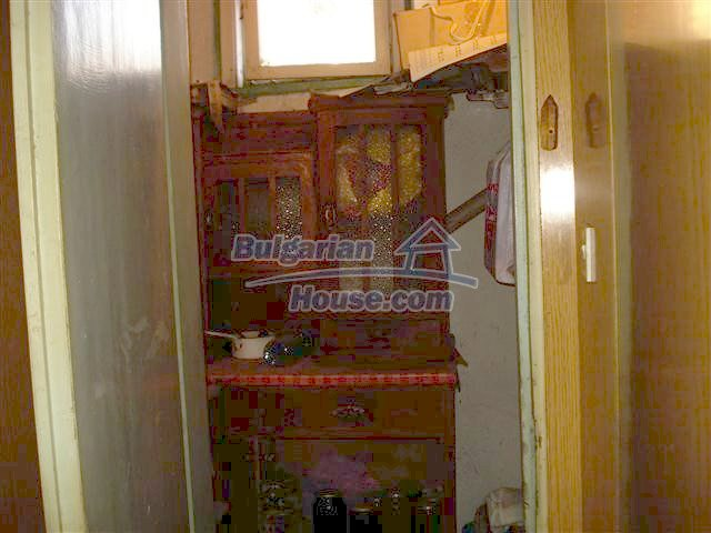 11352:13 - Ground floor of a house in the charming town of Elhovo