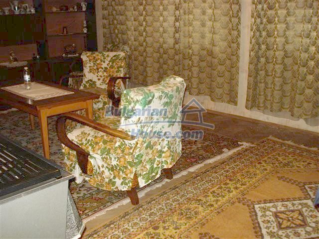 11352:6 - Ground floor of a house in the charming town of Elhovo