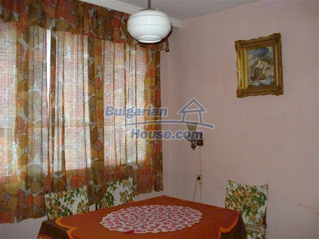 11352:8 - Ground floor of a house in the charming town of Elhovo