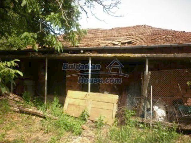 11356:8 - Large rural house with a barn and a gardenVratsa region