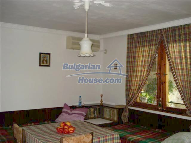11357:9 - Completed rural house with a splendid garden near Elhovo