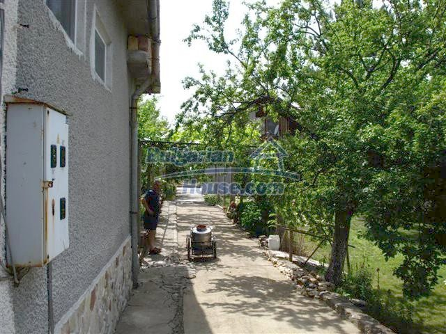 11357:20 - Completed rural house with a splendid garden near Elhovo