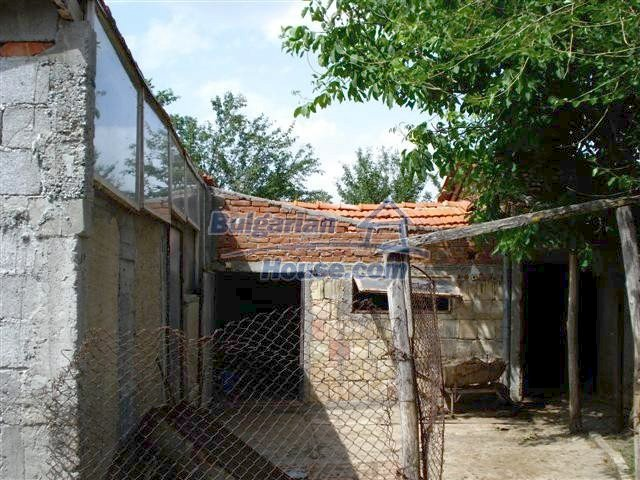11357:26 - Completed rural house with a splendid garden near Elhovo