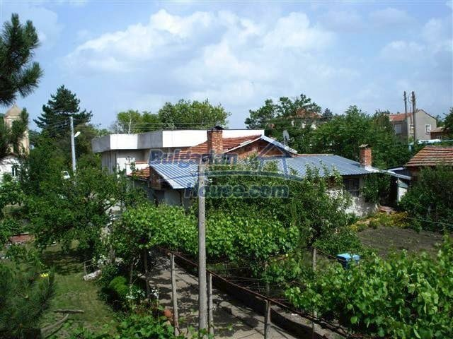 11357:29 - Completed rural house with a splendid garden near Elhovo