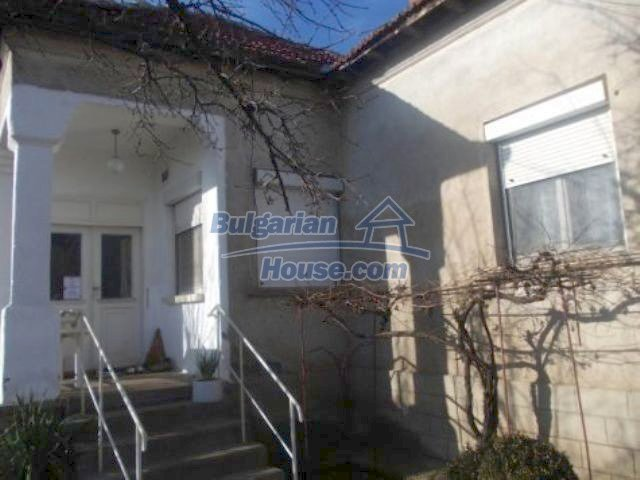 11361:1 - Cheap thoroughly furnished country house near Vratsa