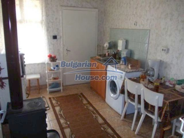 11361:3 - Cheap thoroughly furnished country house near Vratsa