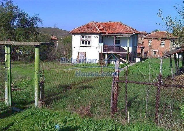 11363:1 - Rural house with fantastic location - near mountain and sea