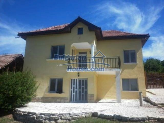 11366:3 - Spacious furnished house near Vratsaenchanting mountain views