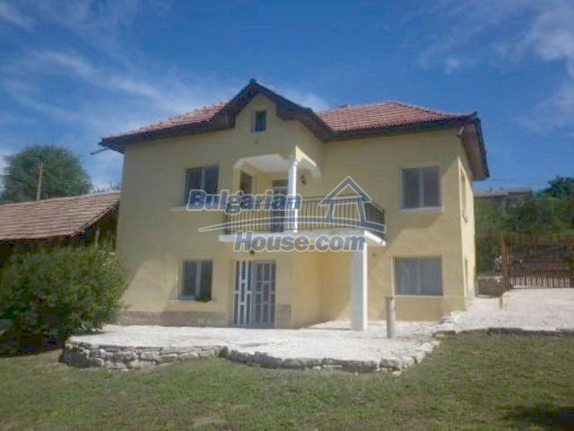 11366:4 - Spacious furnished house near Vratsaenchanting mountain views