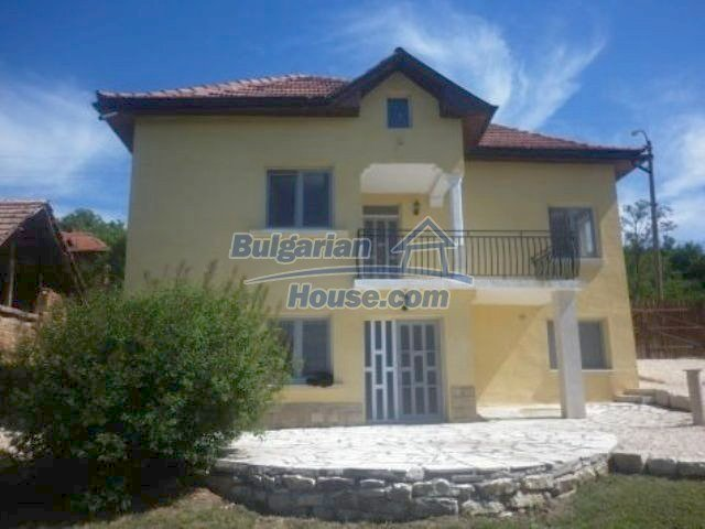 11366:5 - Spacious furnished house near Vratsaenchanting mountain views