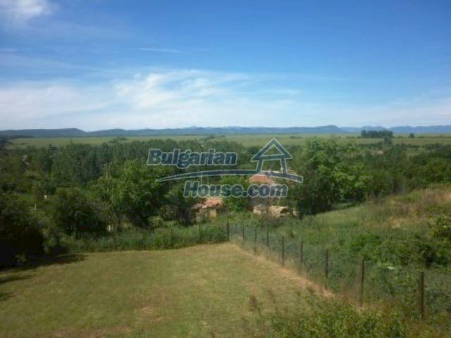 11366:27 - Spacious furnished house near Vratsaenchanting mountain views