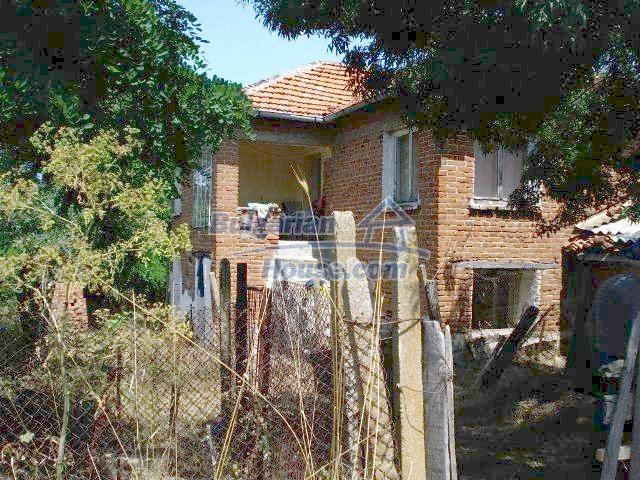 11367:2 - Cozy brick house in a sunny village in Yambol region