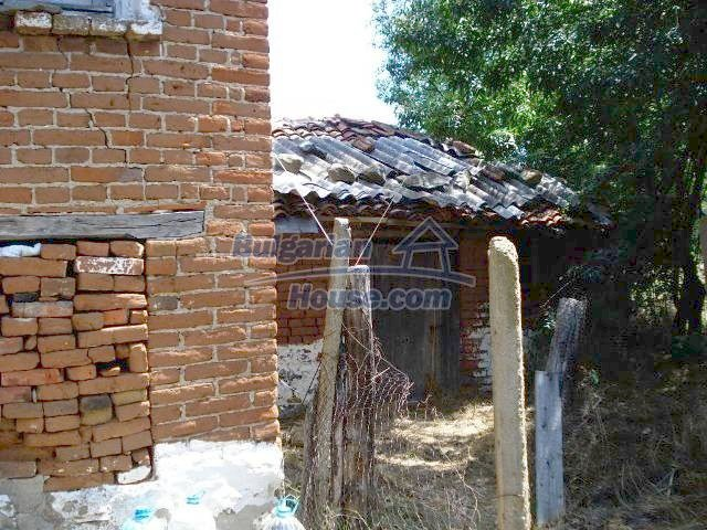 11367:13 - Cozy brick house in a sunny village in Yambol region
