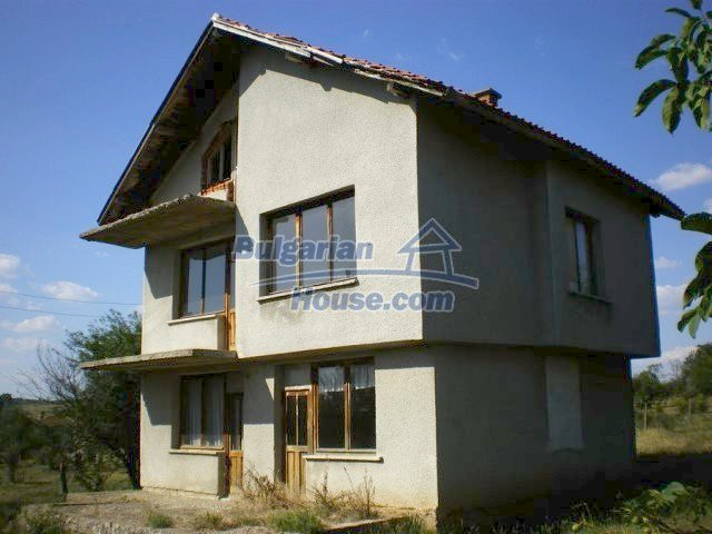 11368:1 - Very cheap and beautiful family house near Elhovo, 80km to Burga