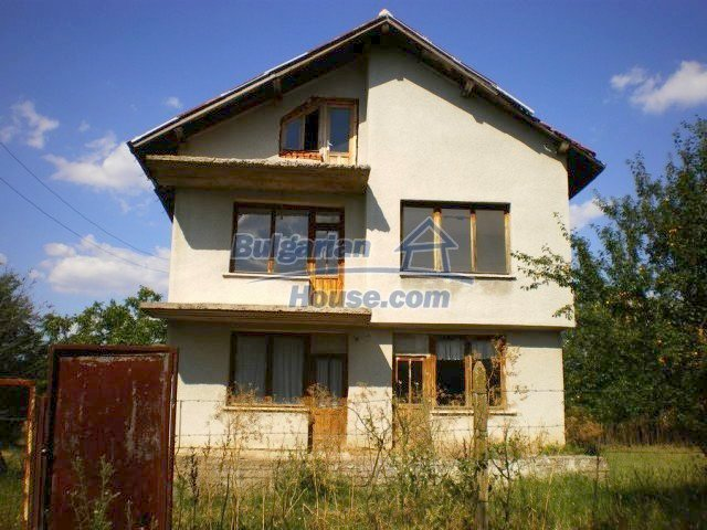 11368:2 - Very cheap and beautiful family house near Elhovo, 80km to Burga