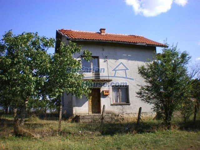 11368:4 - Very cheap and beautiful family house near Elhovo, 80km to Burga