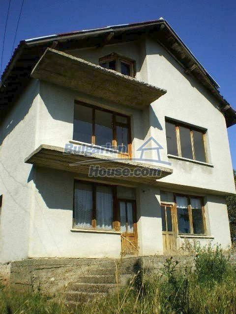 11368:14 - Very cheap and beautiful family house near Elhovo, 80km to Burga