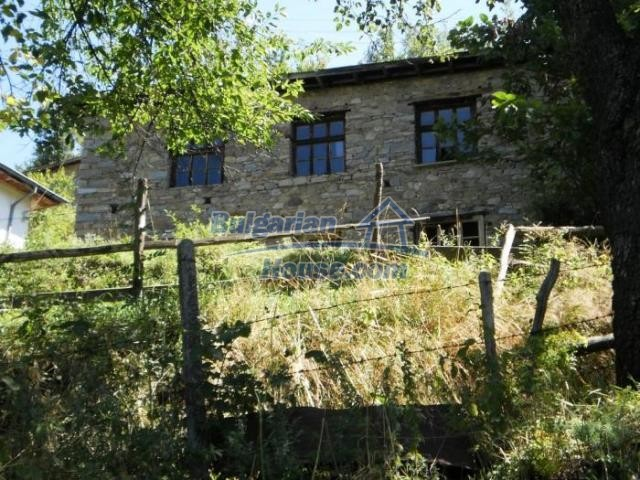 11371:1 - Cheap rural house with splendid mountain view - Kardzhali
