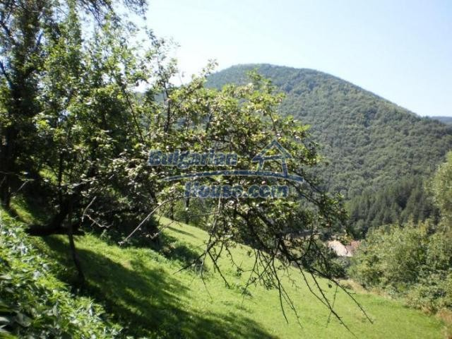 11371:11 - Cheap rural house with splendid mountain view - Kardzhali