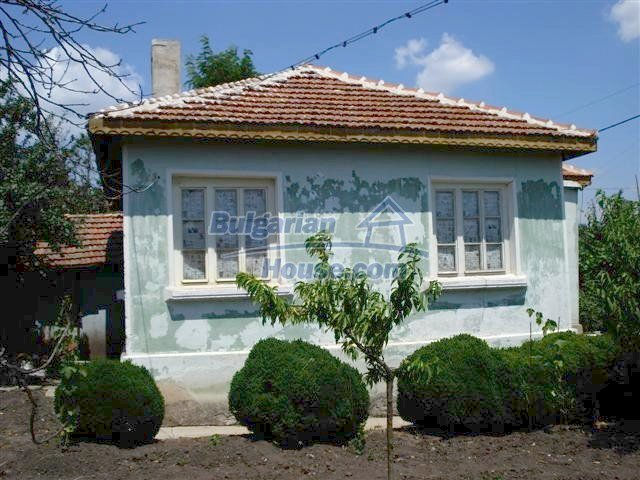 11378:1 - Cheap rural house in a lovely Bulgarian villageYambol region