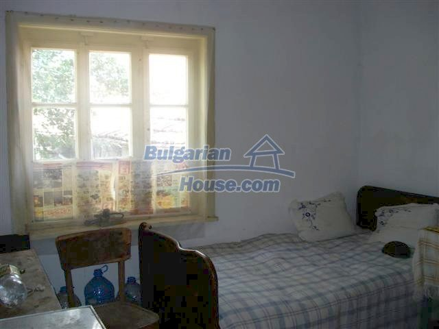 11378:6 - Cheap rural house in a lovely Bulgarian villageYambol region
