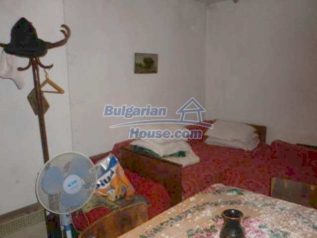 11382:9 - Cheap and large house with an extensive garden near Vratsa