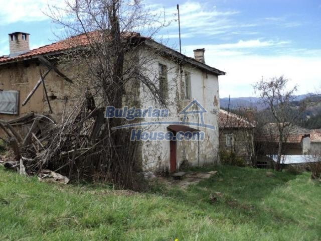 11386:3 - Rural house with an attractive location near Smolyan