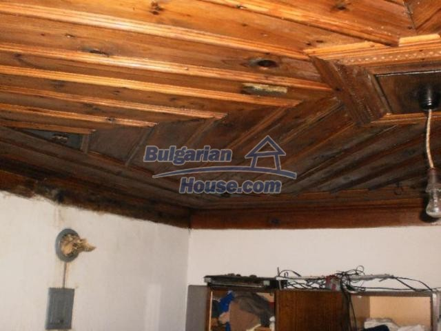 11386:9 - Rural house with an attractive location near Smolyan