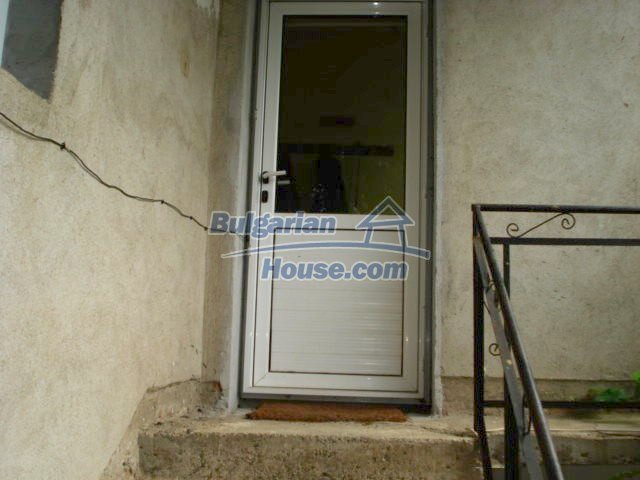 11402:11 - Spacious rural house near Elhovoexcellent investment