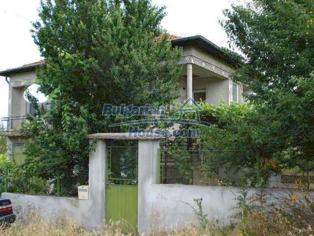 11402:3 - Spacious rural house near Elhovoexcellent investment